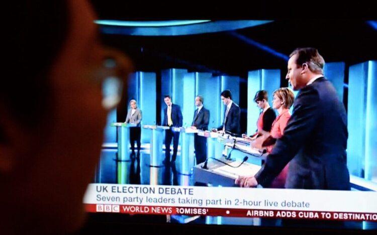 Voter watching GE debte